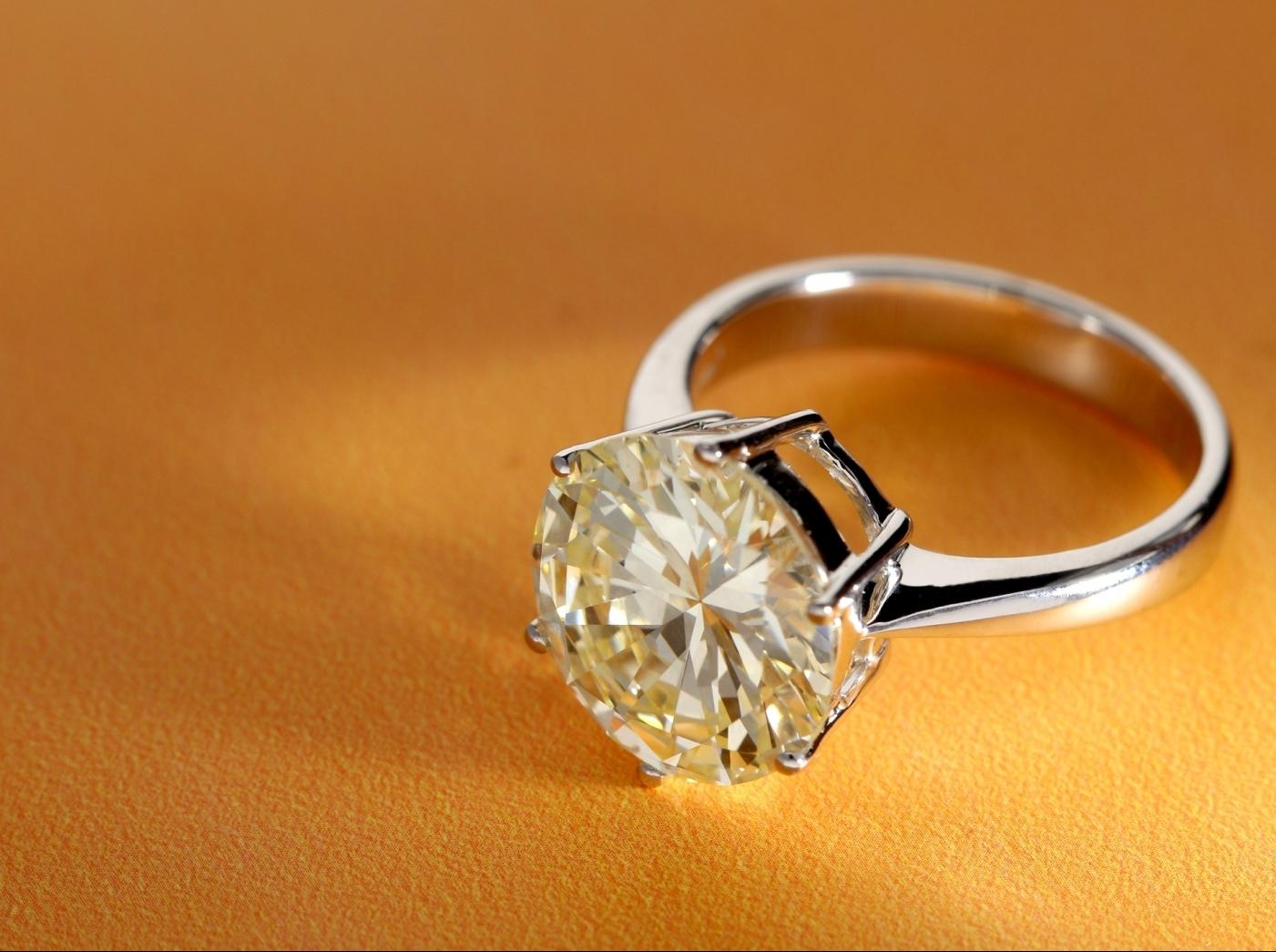 anelli di diamante